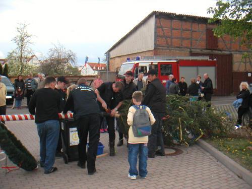 Maibaumsetzen 2003